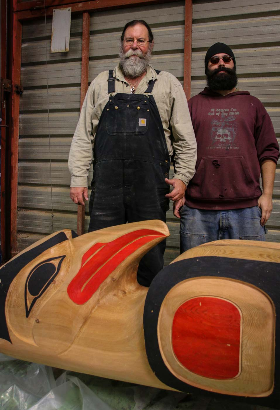 Totem Pole Carving - Gene and Carson at Gateway Timberframe
