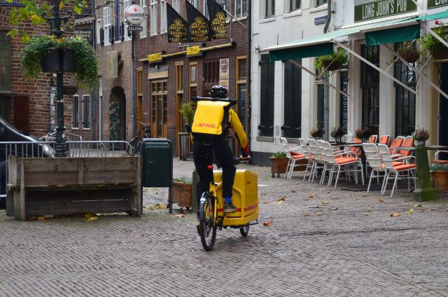 Livreur DHL à vélo - Amersfoort