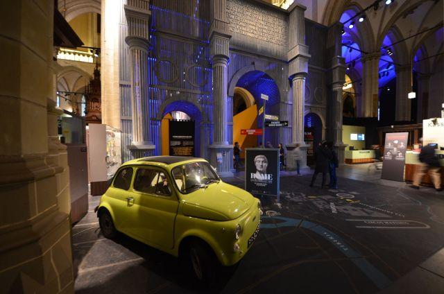 Fiat 500 dans De Nieuwe Kerk - Amsterdam