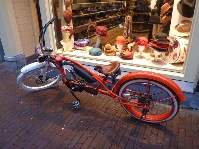Un vélo sur Nieuwe Hoogstraat