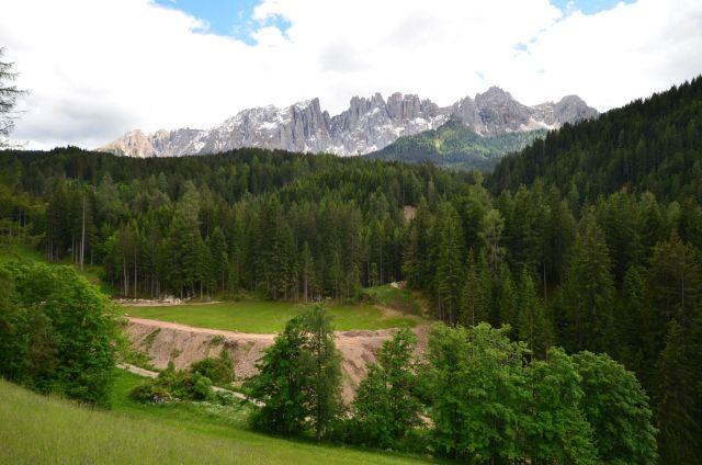 La pause déjeuner avec vue sur les Dolomites