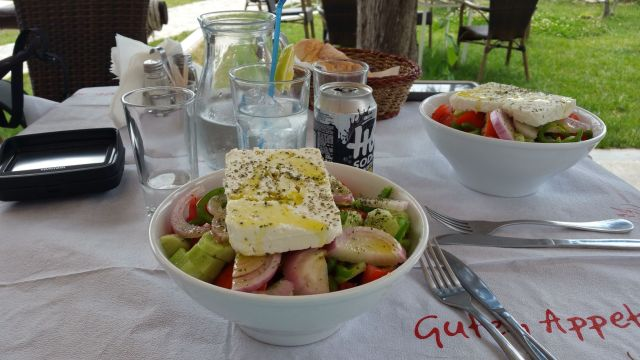 A table ! (salade grecque)