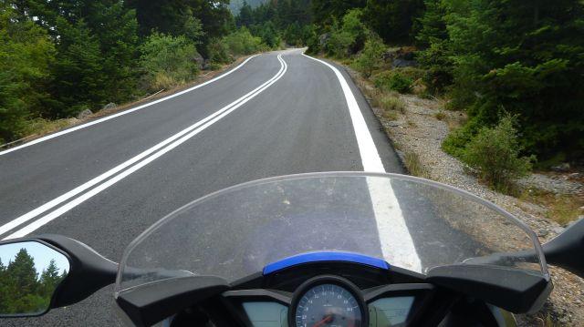 Une belle route dans les environs de Léonidion - Grèce