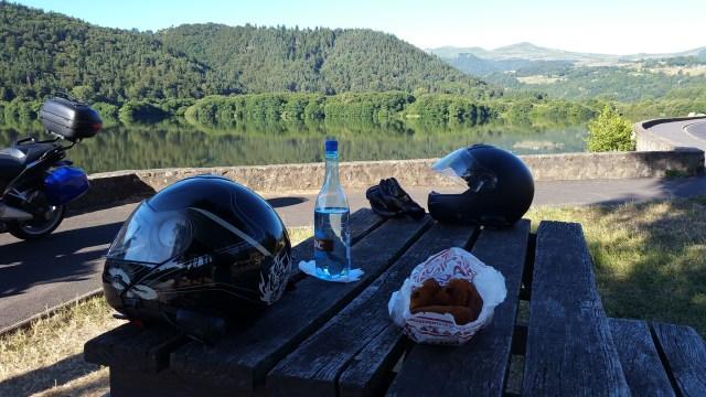 La pause petit-déjeuner au lac Chambon