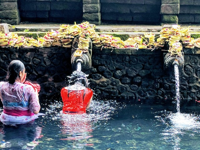 Tirta Empul Holy Springs, Bali
