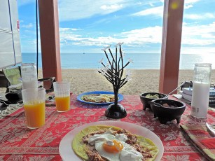 Gourmet-Cooking-Camping-beach