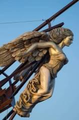 37749930-wooden-figurehead-on-the-broken-ship.jpg