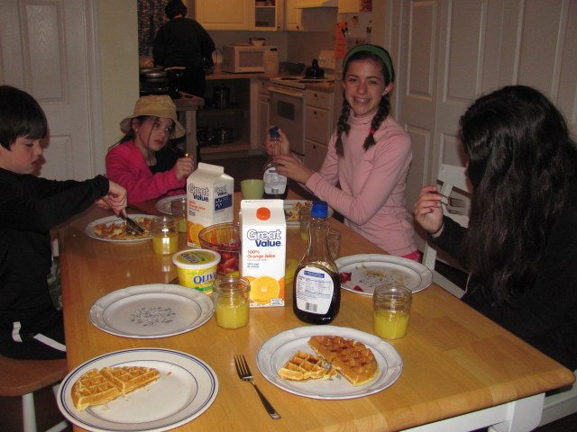 Waffle Breakfast at Teahorse Hostel Harpers Ferry