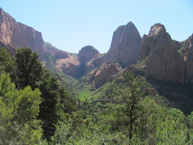La Verkin Creek Trail in Kolob Canyon: Early Morning in Kolob Canyons