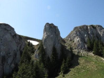 Rocky 'entrance' to the Piatra Mare ridge