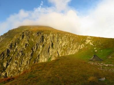 Camping just below Vistea Mare Peak (2)