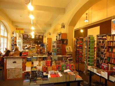 Erasmus Büchercafe, Strada Mitropolei 30