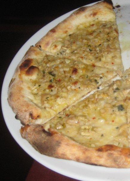 Varasano\'s Clam Pizza