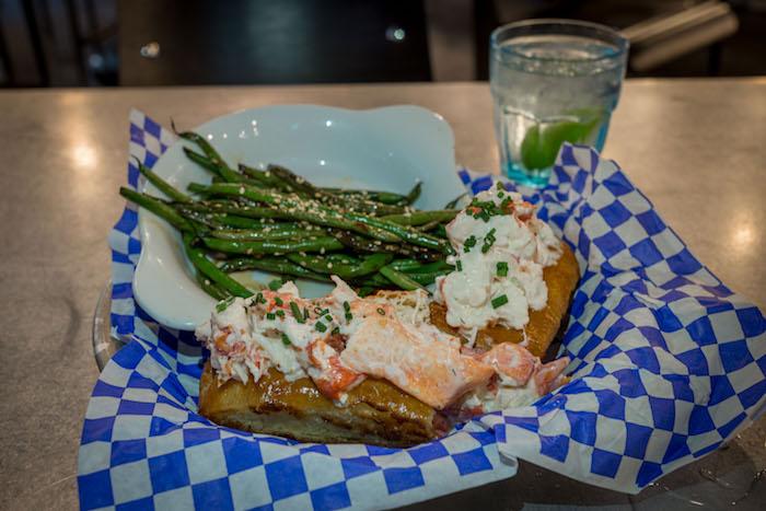 best-lobster-roll-atlanta-roamilicious