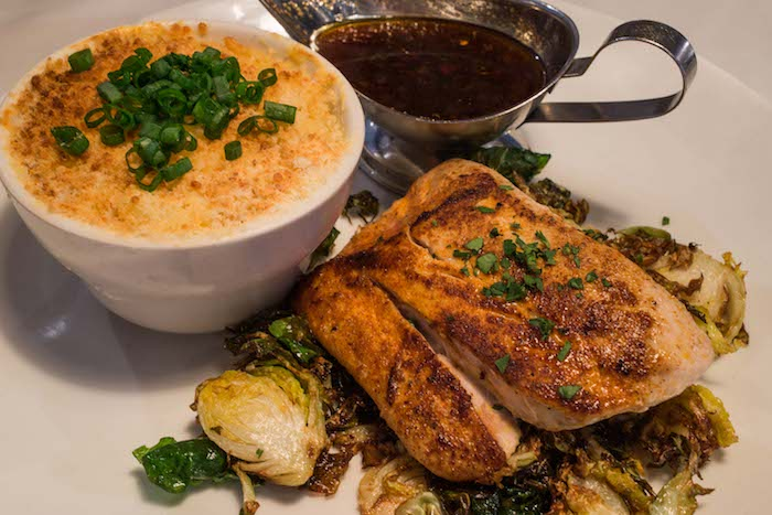 hugos oyster bar restaurant review