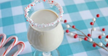 peppermint-white-russian-holiday-cocktail-roamilicious