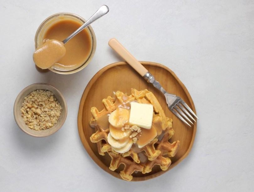 easy-pumpkin-waffle-recipe-roamilicious
