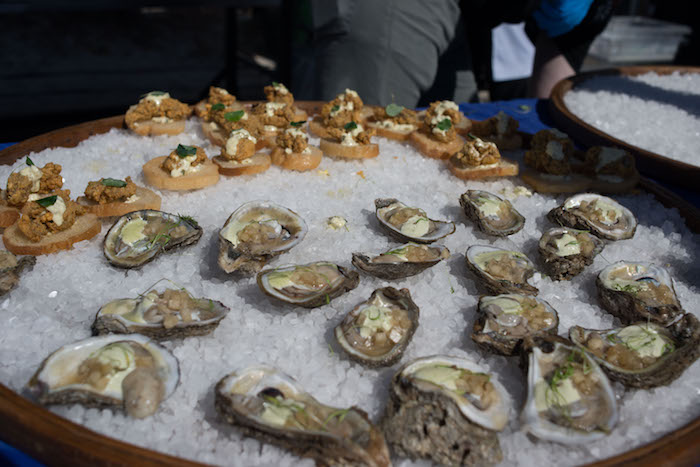 hangout all the oysters gulf shores, AL - Roamilicious