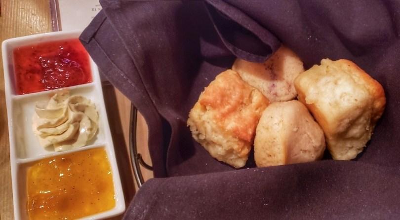 definitive-guide-best-biscuits-atlanta-roamilicious