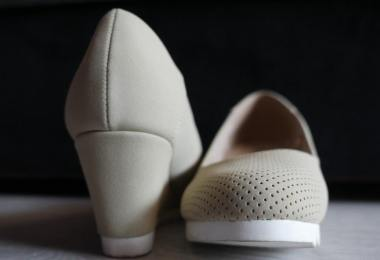 best-wedge-shoes-for-travel