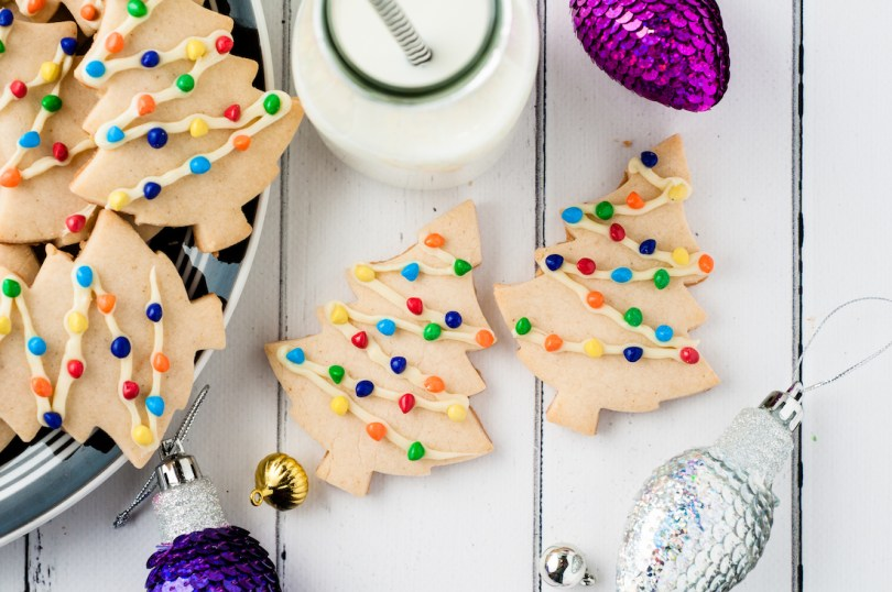Holiday-party-christmas-tree-cookie-recipe-roamilicious