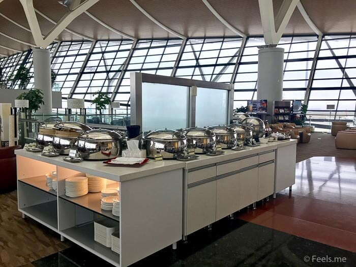 Air China Shanghai T2 Star Alliance Lounge Hot lunch served