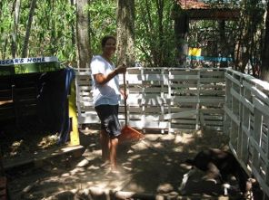 Cleaning Oscars enclosure (Costa Rica Animal Rescue Centre)