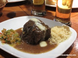 Carilla con couscous y salsa. Beef cheeks, couscous and a special sauce