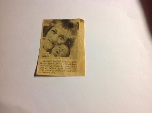 Nå kommer det ett skryte avisutklipp av min lillesøster da  hun fikk sitt første barn, mitt første tantebarn, Marianne, det var vel i 1987 mener jeg.
