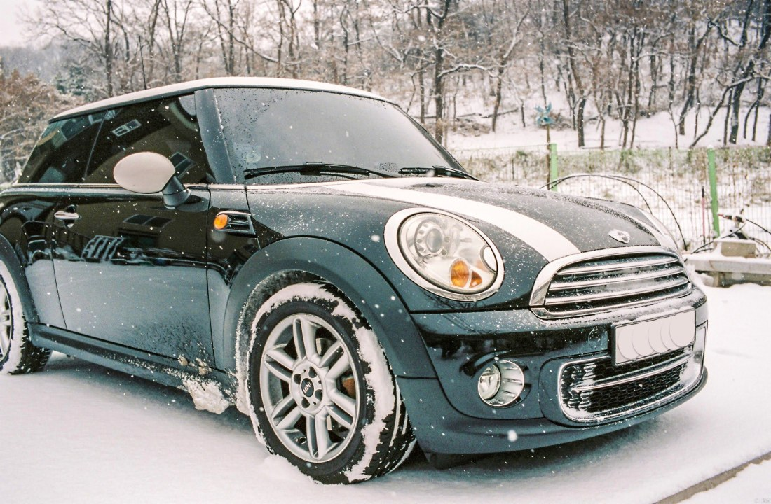 Mini Cooper D on a snowy day