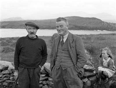 Kevin Danaher (right) with Pádraig Ó Ceallaigh