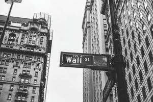 shares, selling, ZENA.T, zenabis, insider selling,