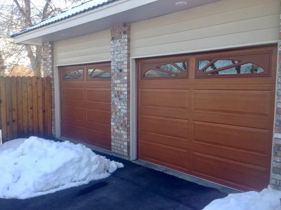 Expert & Affordable Garage Door Contractor | Robbins Garage Door