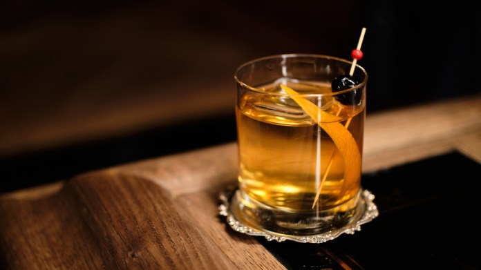 Best Old Fashioned Recipe How To Make This Classic Cocktail 3 Ways Robb Report