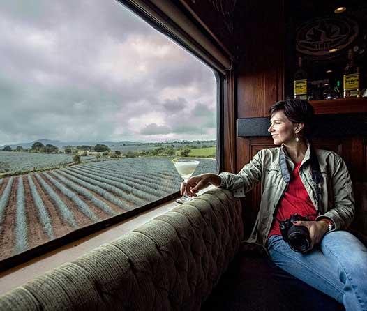 En este tren podrás tomar todo el tequila que puedas