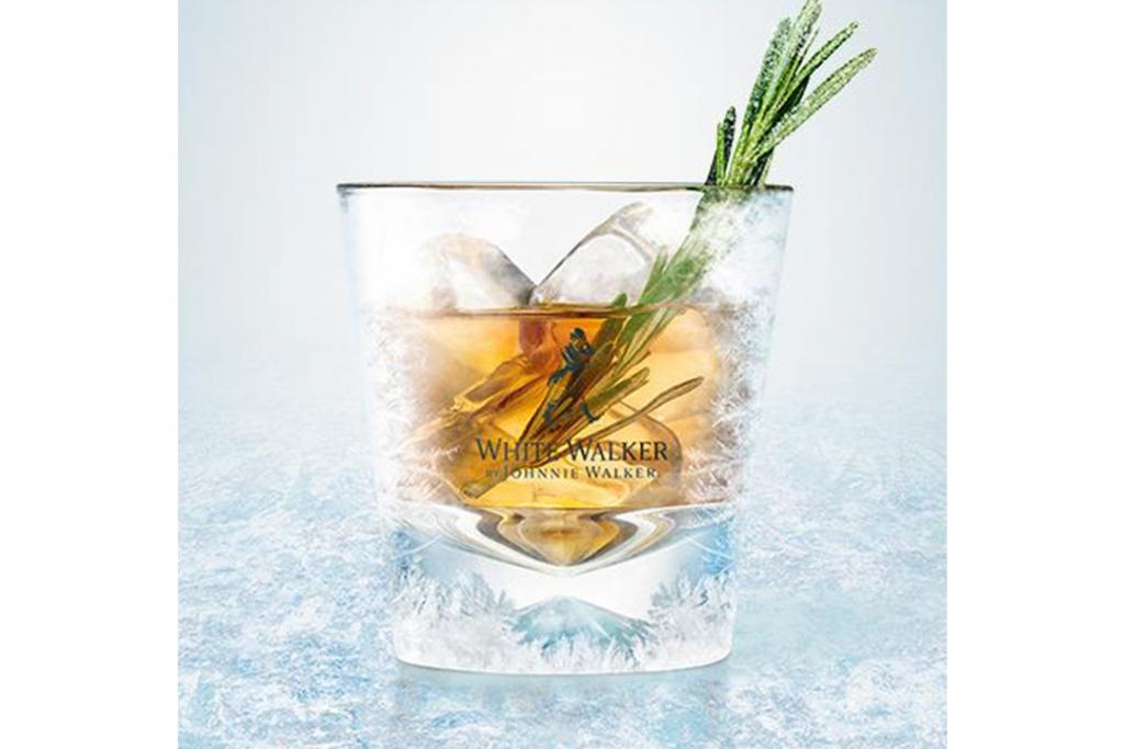 09471 dragonglass jw oldfashioned 1024x683 - Los drinks perfectos para celebrar la temporada final de Game of Thrones