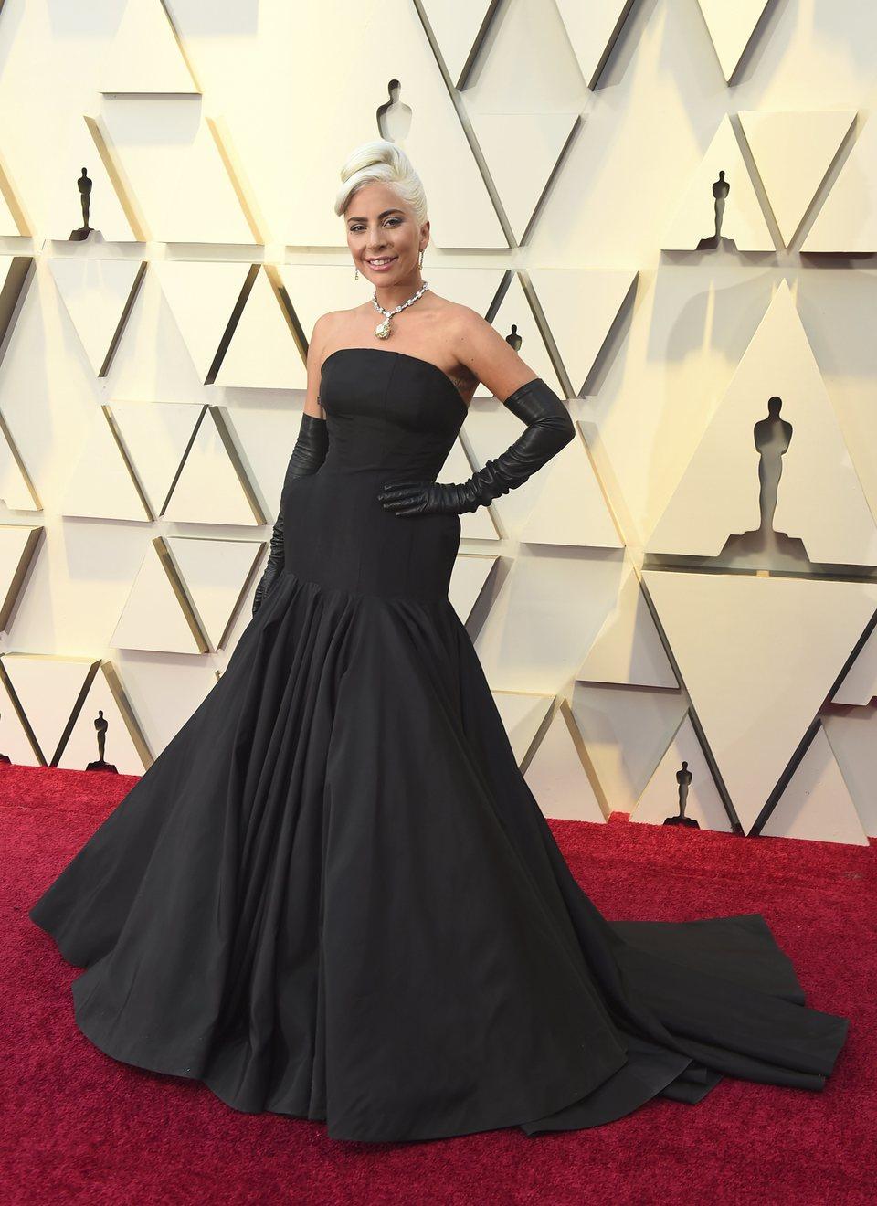 106055 lady gaga oscar 2019 red alfombra roja - Nuestros favoritos y no tan favoritos de la red carpet en los Oscar 2019
