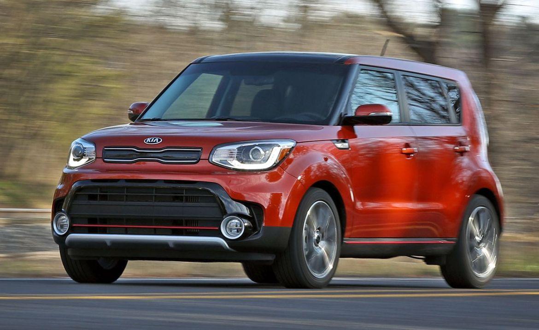 2017 kia soul turbo test review car and driver photo 672942 s original - Las 5 mejores camionetas para salir de viaje en familia este año
