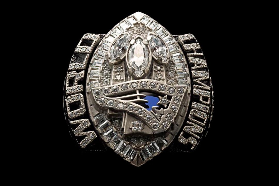 3 15 - Tom Brady tiene dos de los anillos más costosos en la historia de la NFL