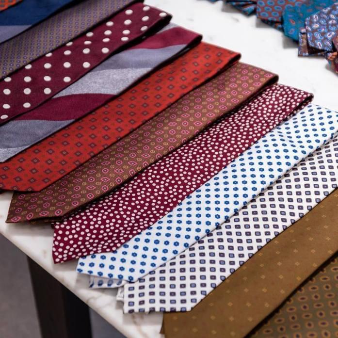 39441569 1578025668968769 1800174502043189248 n - La importancia de anudarse bien una corbata