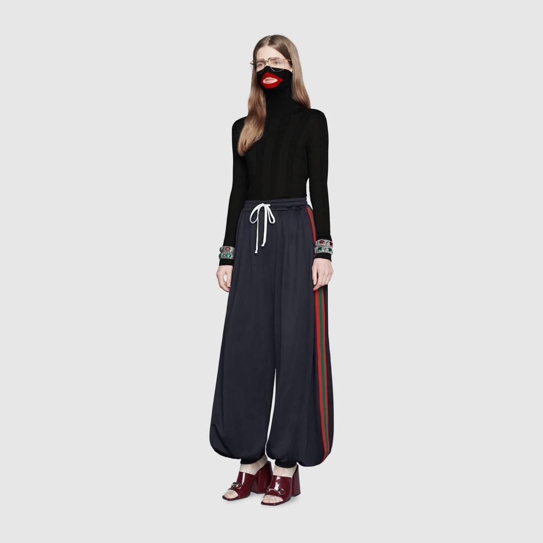 548540 X1680 1125 002 100 0000 Light Balaclava knit top - Gucci enfureció a las redes sociales con su suéter blackface
