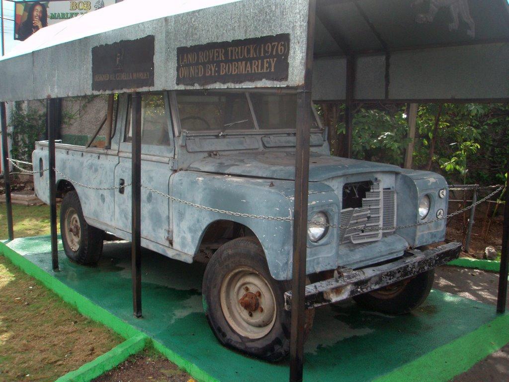 7790487 - Este era el auto más querido de Bob Marley