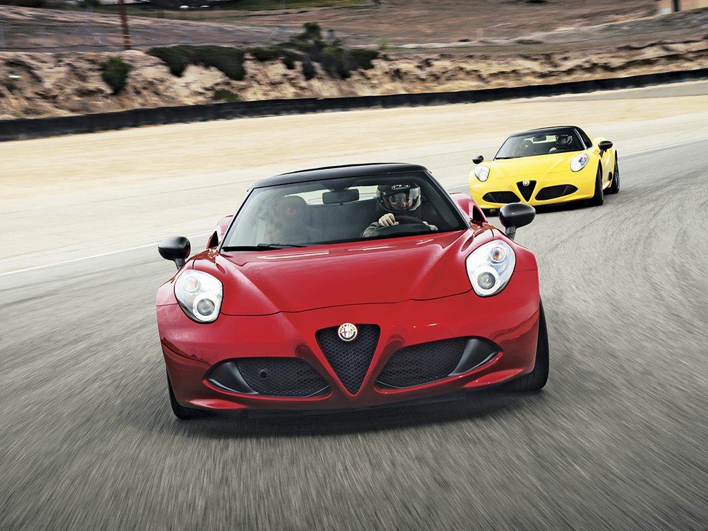 El Alfa Romeo 4C Spider es un biplaza descapotable rudo