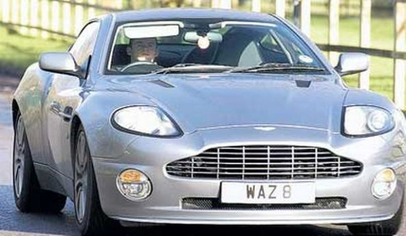 B084B094 D976 981E 0B4610F5EEA1FEBC - Los 10 futbolistas que poseen los autos más lujosos en su garage