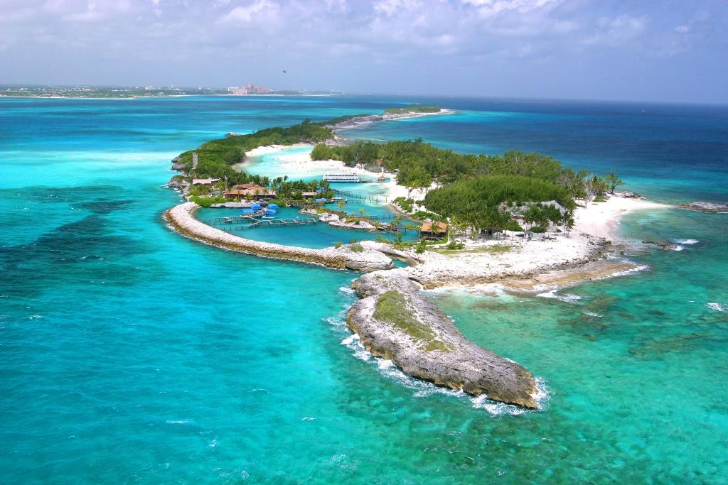 blue lagoon las bahamas 1024x683 - Cinco destinos que no queremos perdernos en 2019