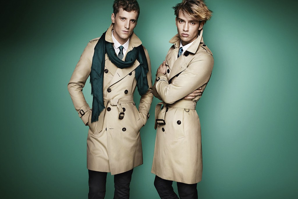 El trench coat de Burberry, un ícono inmortal