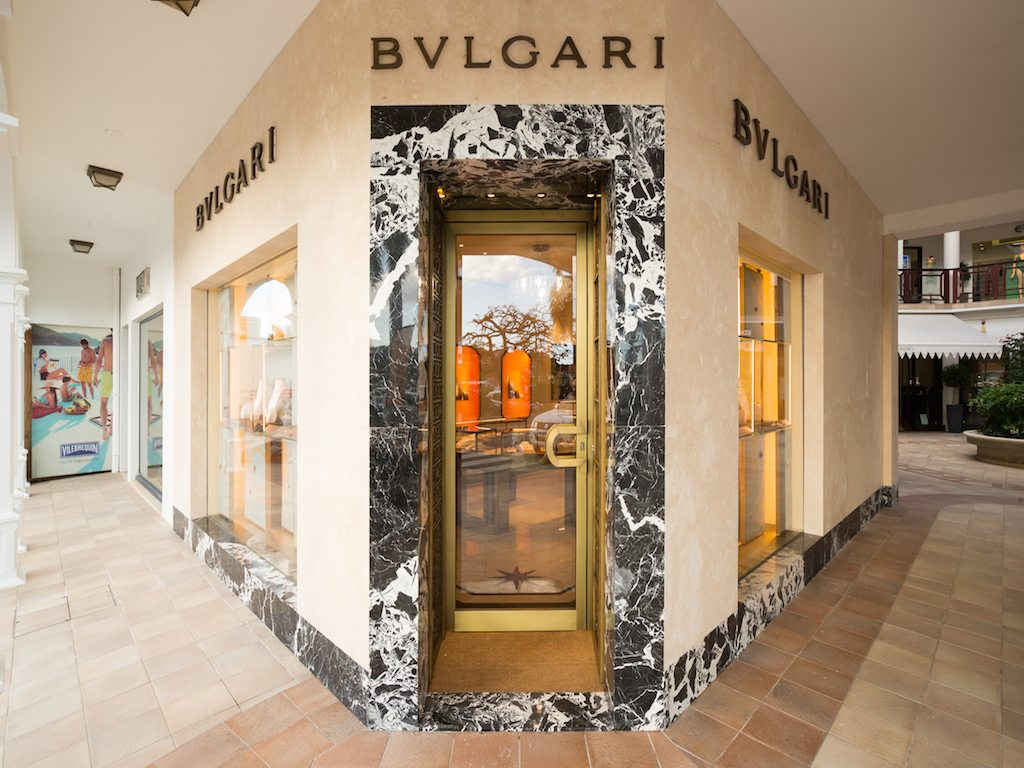 Un antiguo palacio italiano, Bvlgari renueva su boutique en St. Barths