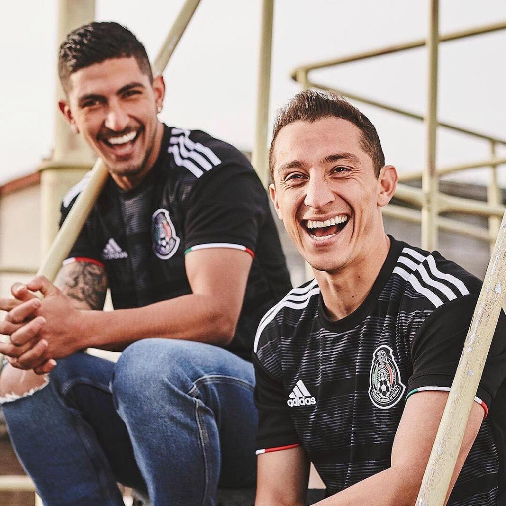 D2BrggVXgAAGt4V 1024x1024 - La Selección Mexicana estrena 'piel' para la próxima Copa Oro