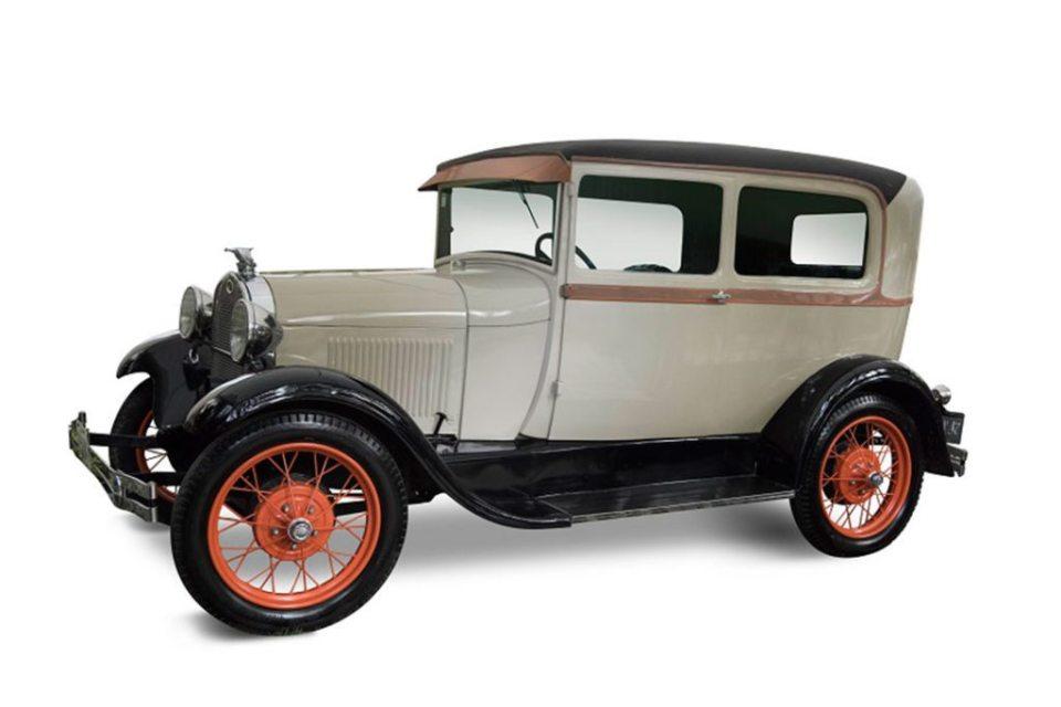 ford A tudor 1024x683 - 14 modelos clásicos de autos serán subastados por Morton Subastas
