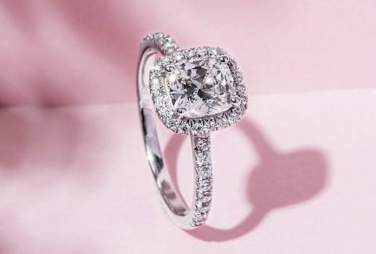 historia anillo de compromiso 2010 - Así es cómo ha cambiado el anillo de compromiso a través de los años